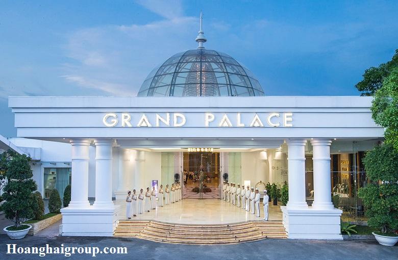 Review-Top-5-Nha-hang-tiec-cuoi-quan-tan-binh-uy-tinh-nhat-Grand-Palace