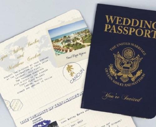 Mau-thiep-cuoi-passport-an-tuong-cho-cap-doi-me-du-lich2